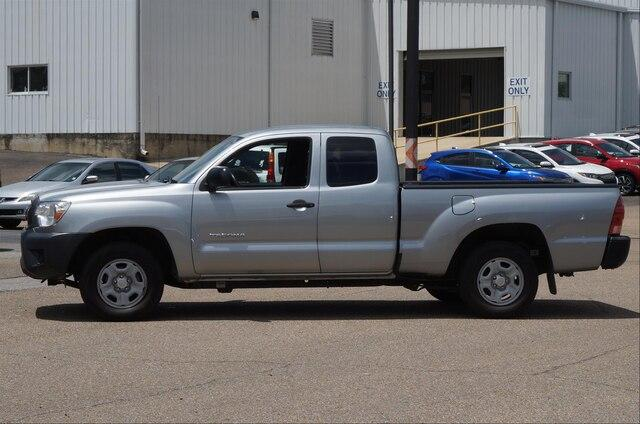 Pre-Owned 2014 Toyota Tacoma 2WD Access Cab Standard Bed I4 Automatic (Natl)