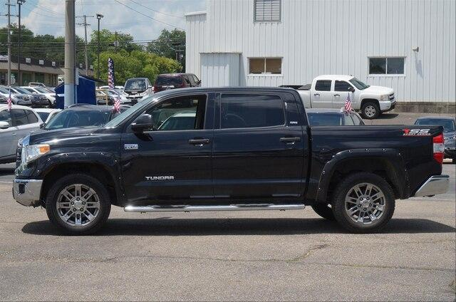 Pre-Owned 2015 Toyota Tundra 4WD Truck 4WD CrewMax Short Bed 5.7L FFV SR5 (Natl)