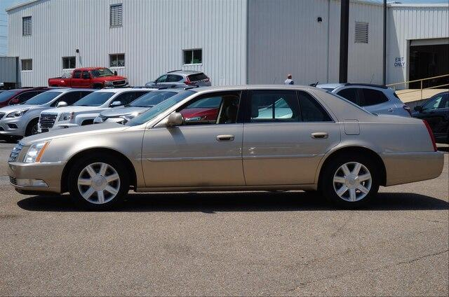 Pre-Owned 2006 Cadillac DTS 4dr Sdn w/1SB
